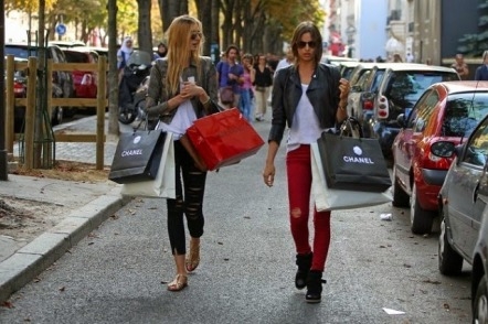 Top 5 Best Shopping Streets in the World